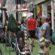 Lojas abrem neste domingo e atraem consumidores de Barra Mansa