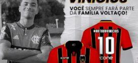 Voltaço inicia pré-venda de camisa em homenagem a Arthur Vinícius