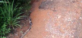 Moradores da Vila Coringa solicitam à prefeitura reparos em rua sem asfalto