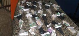 Jovem tenta fugir e acaba preso por tráfico de drogas em Volta Redonda