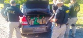 Adolescente é apreendido transportando meia tonelada de maconha em carro roubado