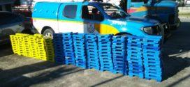 PM apreende 528 kg de maconha em rodovia estadual