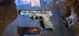 PM prende dois suspeitos com arma e droga em Volta Redonda