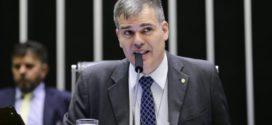 Bolsonaro assina Medida Provisória semelhante a projeto de Antônio Furtado