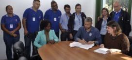Rodrigo Drable oficializa concurso do Saae-BM