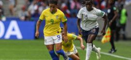 Brasil perde para a França na prorrogação e se despede do mundial feminino
