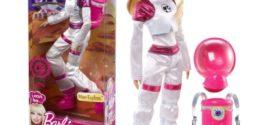 Barbie faz 60 anos com o apoio da NASA