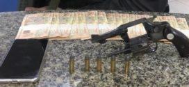 Homem é preso com arma em bar de Volta Redonda