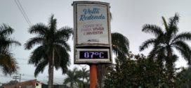 Cheiro forte de material queimado impregna bairros de Volta Redonda