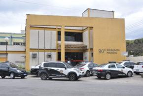 Homem em liberdade condicional é vítima de tentativa de homicídio em Barra Mansa