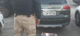 Jovem é preso por transportar perfumes falsificados