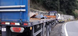 Acidente interdita pista de descida da Serra das Araras