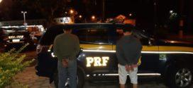 Presa dupla que roubou caminhão e fez motorista de refém