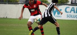 Mãe do jogador Arthur Vinícius fala sobre o descaso do Flamengo