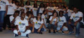 Crianças da Fundação Beatriz Gama fazem passeio cultural no Rio