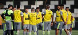 Vasco e Botafogo fazem duelo direto e em momentos opostos