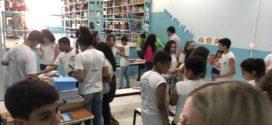 Bienal do Livro reúne 700 alunos no Colégio Getúlio Vargas em Volta Redonda