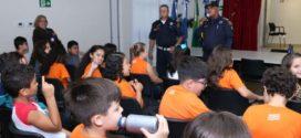 Alunos do Sesi Barra Mansa participam de palestra sobre educação no trânsito