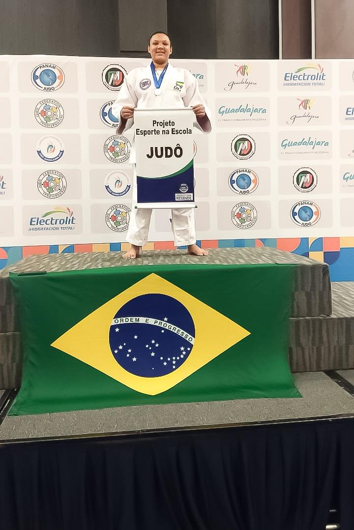 Aluna de escola municipal de Resende é medalha de ouro no Pan-Americano sub-13 de Judô - Diario do Vale