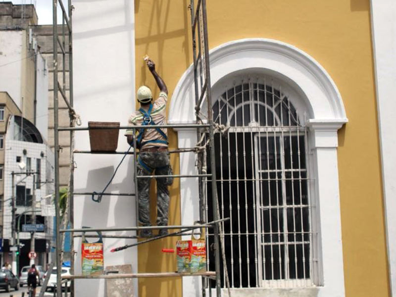 Barra Mansa inicia trabalho de decoração para o fim de ano - Diario do Vale