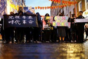 Interrupções no transporte público de Hong Kong continuam