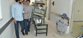 Samuca visita obras do Hospital Santa Margarida