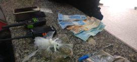 Cinco são presos por suspeita de tráfico de drogas em Três Poços