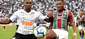 Flu vence Corinthians e se garante na Sul-Americana