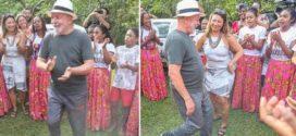 Ex-presidente Lula visita quilombo em Paraty com namorada