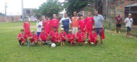 Time de futebol de Volta Redonda realiza campanha para competir na 'Copa Ouro'