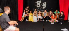 Cia Teatral Calegari realiza oficina 'Treinamento do Ator: Criação e Construção'