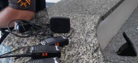 PM apreende rádios transmissores usados por suspeitos de tráfico em Barra Mansa