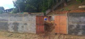 Após denúncia, PM interrompe construção irregular em Angra dos Reis