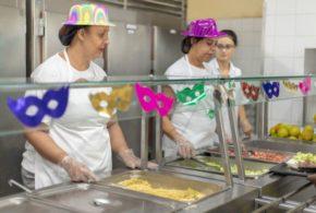 Restaurante Popular de Volta Redonda entra no clima do Carnaval