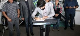 Samuca assina ordem para a reforma do Centro-Dia