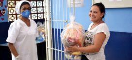 Resende distribui cestas básicas às famílias de alunos da rede municipal