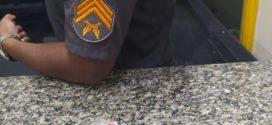 Suspeito de tráfico é preso no bairro Getúlio Vargas, em Barra Mansa
