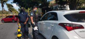 Barreiras sanitárias somam mais de quatro mil carros bloqueados em Mangaratiba