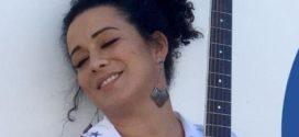 Juliana Maia, de Conservatória, lança a 'seresta online' com shows completos pela internet