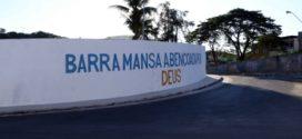 Frase de benção e proteção é escrita em trecho de acesso a Barra Mansa