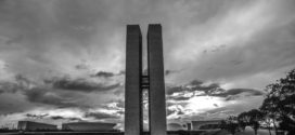 Congresso decreta luto oficial de 4 dias após 100 mil mortes por covid-19