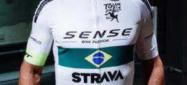 Fred deixa BH e inicia percurso de bicicleta para se apresentar ao Fluminense