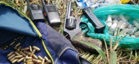 Um homem é morto e dois são presos em troca de tiros entre PM e suspeitos de tráfico nesta tarde, em Barra Mansa