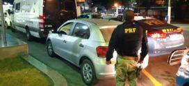 Casal de Volta Redonda é flagrado com carro clonado na Via Dutra