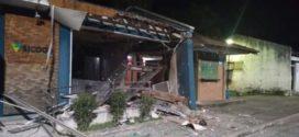 Bandidos explodem duas agências bancárias em Paraty