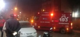 Casa pega fogo no bairro Ano Bom; bombeiros conseguem controlar o incêndio