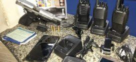 Três suspeitos de tráfico são presos após troca de tiros com a PM em Volta Redonda
