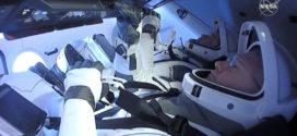 Astronautas da Nasa completam missão no espaço a bordo da SpaceX