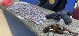 Menor é apreendido com revólver e 260 pinos de cocaína em Volta Redonda