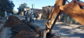 Construção de rede de água no bairro São Luiz está 80% concluída em Volta Redonda